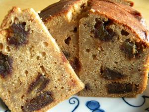 デーツのバターケーキ