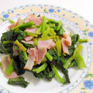 お手軽もう一品☆ベーコンと小松菜の塩こしょう炒め