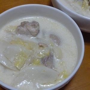 やわらかい白菜が美味!鶏白菜のミルク煮♪