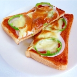 トマトケチャップでお手軽 ピザトースト