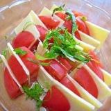 簡単おつまみ♪トマトとスライスチーズのカプレーゼ