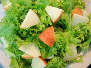 わさび菜とりんごのサラダ