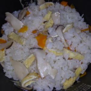 白だしで簡単☆エリンギの炊き込みご飯