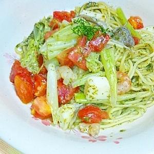 桑の葉ソースでトマトパスタ
