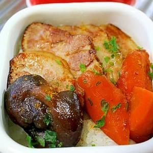 豚肉と人参のカレー炒め丼