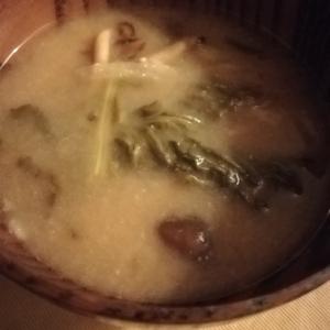 かき菜となめこのお味噌汁