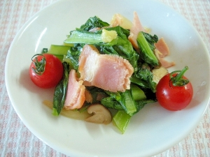 ☆小松菜とベーコンの炒め物☆