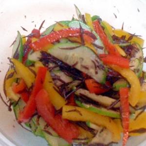 夏野菜とヒジキのサラダ