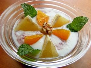 簡単❤葡萄ジャム&柑橘類でヨーグルト♪(ミント他)