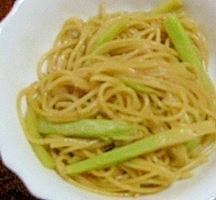 ブロッコリーの茎とツナのパスタ