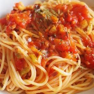 あまりもの切れ端野菜でトマトソーススパゲティ