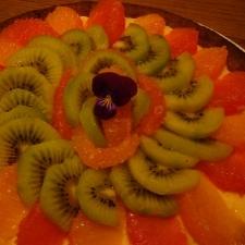 ピンクグレープフルーツとキウイのタルト