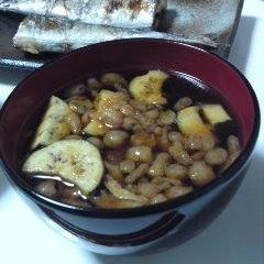いつものお味噌汁に揚げ玉