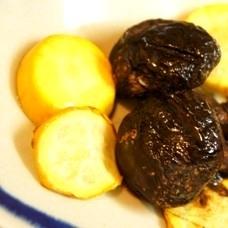 シイタケとズッキーニのレモン塩バター炒め