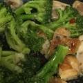鶏ももとブロッコリーのオイスターソース炒め