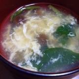 自然なとろみがうまい なめこ入りの卵スープ