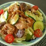 ガッツリ旨い!焼肉と夏野菜の簡単スタミナうどん♪