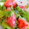 トマトとリーフレタスのサラダ
