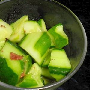 【お手伝いレシピ】きゅうりと梅の漬け物