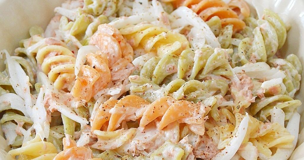 蒸し暑い季節に◎さっぱり味がおいしい「玉ねぎ入りサラダ」