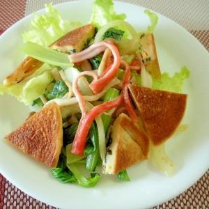 小松菜としめじとカニカマの大豆粉パンケーキサラダ♪