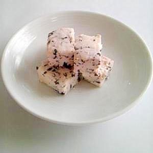 赤ジソのカッテージチーズ