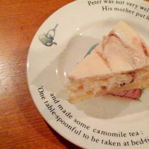 チーズケーキ(スフレとNYの中間ケーキ)