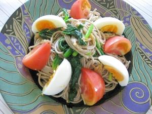 夏にサッパリ!なめ茸で簡単☆蕎麦サラダ