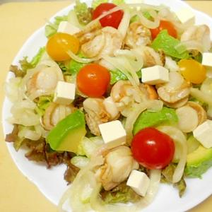 ベビーホタテと彩り野菜のサラダ