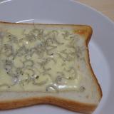 じゃこマヨチーズトースト