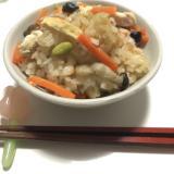 簡単炊き込みご飯♡きのこ・鶏肉炊飯器に入れるだけ!