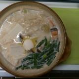 ほっこり鮭と豆乳味噌バター鍋