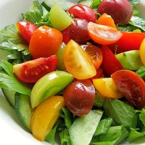 カラフルミニトマトとイタリアンパセリのサラダ