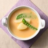 スナップえんどうとじゃがいもと卵の味噌汁