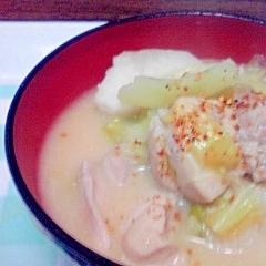 里芋のとろとろ汁、ニンニクと生姜で温まるよ~♪