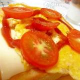 トマトと卵のチーズトースト