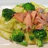 簡単オリーブオイルで!鮭のキャベツ炒め