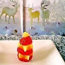 キウイといちごで可愛いミニクリスマスツリー♪