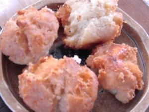 卵不使用 ホットケーキミックスのチーズ入りドーナツ