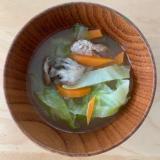 キャベツと豚肉の味噌汁