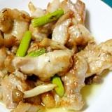 アスパラとシメジのコンビがおいしい!鶏肉の炒め物