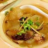 生姜がきいてる!とろ~りふうふうの冬瓜スープ
