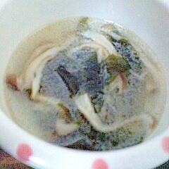しめじとわかめの中華スープ