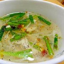 ささみ、にら、もやしの中華スープ