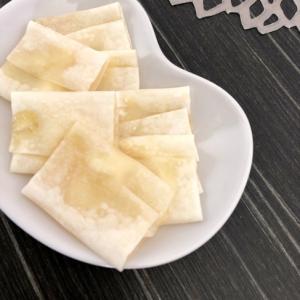 余った焼売の皮でカリカリおやつ☆はちみつチーズ