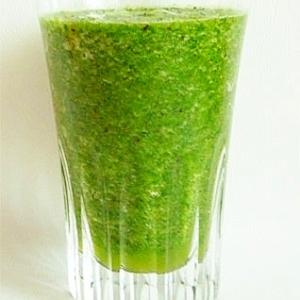 キウイと小松菜のグリーンスムージー