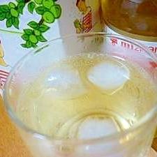 ダイエット中もOK♪りんご酢梅酒のソーダ割り