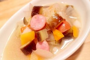 ココナッツミルクなしでグリーンカレー風野菜スープ