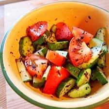 あと一品☆きゅうりとトマトのゆかりサラダ