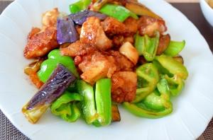 【簡単】鶏肉とナスとピーマンの中華炒め